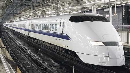 JR西日本300系F1編成が浜松工場へ