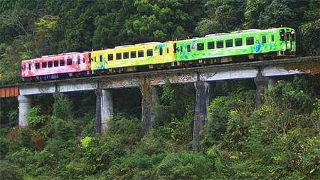 錦川鉄道で撮影用の特別編成列車運転