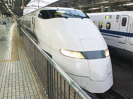 JR西日本300系F4編成が浜松工場へ
