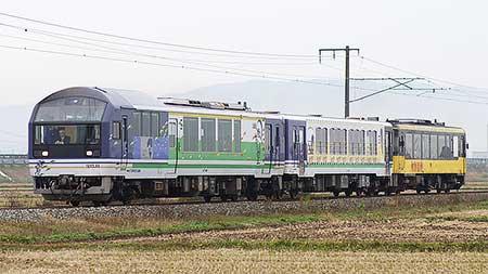 会津鉄道「お座敷トロッコ展望列車」が喜多方へ