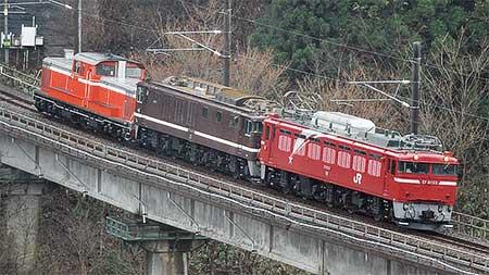 EF64 1001+DD51 842が青森車両センターへ