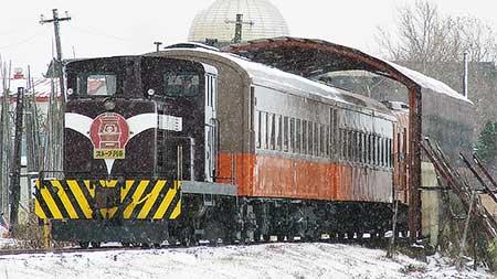 津軽鉄道ストーブ列車運行開始