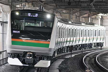 https://cdn3.railf.jp/img/news/2011/12/111221_e233_0692.jpg