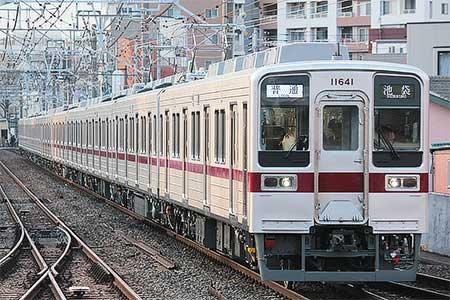 東武東上線で10030系リニューアル車が営業運転を開始