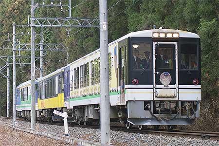 会津鉄道「お座トロ展望列車」が鬼怒川温泉に乗り入れ