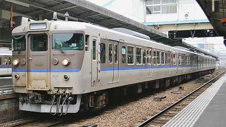 113系もと日根野電車区G405編成が下関総合車両所広島支所P-02編成に