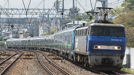 JR北海道733系12両が甲種輸送される