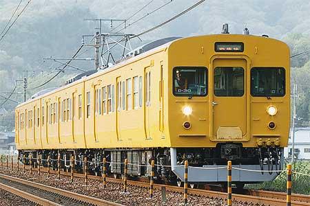 岡山電車区115系D-30編成が黄色一色に