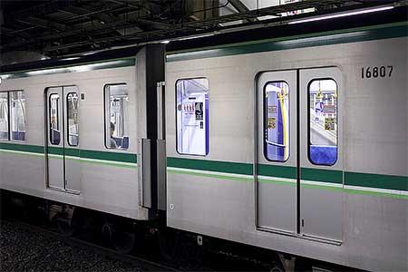 東京メトロ16000系16807号車にLED照明