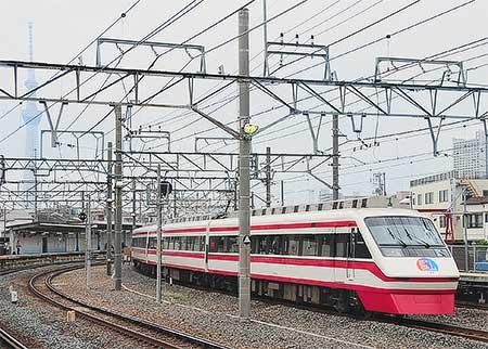 東武100系・200系に「東京スカイツリータウン開業PRヘッドマーク」