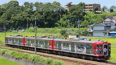 しなの鉄道でアニメ「あの夏で待ってる」のラッピング列車