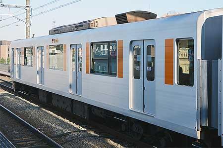 東武50050系に側窓開閉化改造施行車