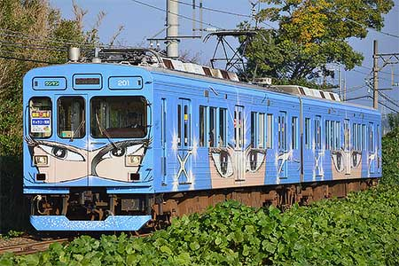 伊賀鉄道200系に開業5周年マーク