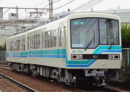 叡電デオ800形801-851編成が塗装変更される