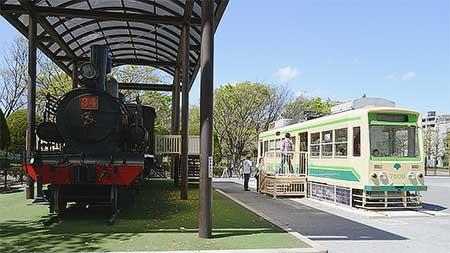 萩中公園の都電7008号車が公開される