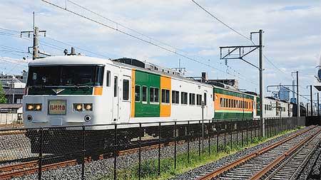 185系OM03編成が塗装変更,構内試運転|鉄道ニュース|2013年5月3日 ...