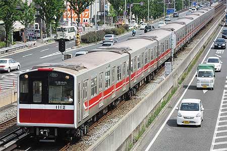 大阪市営地下鉄10系12編成のラッピング解除