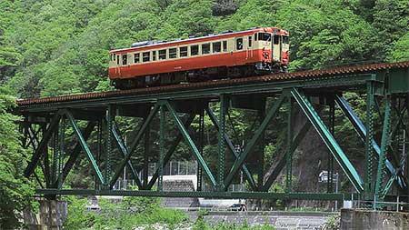 高山本線でキハ40 6309による団体臨時列車運転