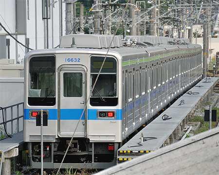 東武10030系11631編成・11632編成(リニューアル車)が野田線カラーに