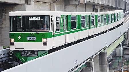 「ニューシャトル」200系新幹線電車カラーの1050系52編成が運転開始