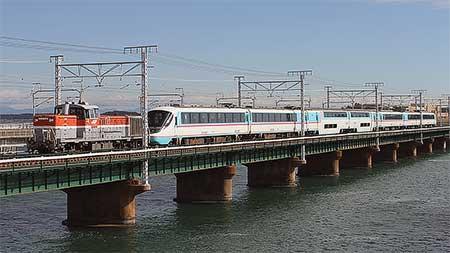 小田急電鉄20000形が甲種輸送される