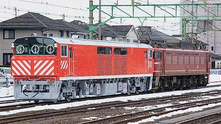 JR西日本キヤ143-1が甲種輸送される