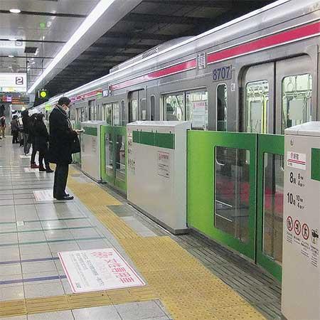 京王線新宿駅のホームドア整備が完了