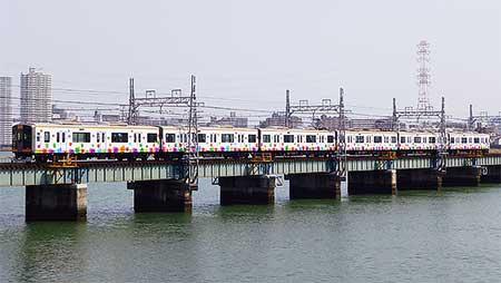 """阪神「""""たいせつ""""がギュッと。ラッピング電車」が登場"""