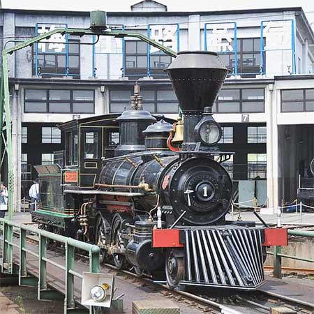 「義経」号が梅小路蒸気機関車館へ