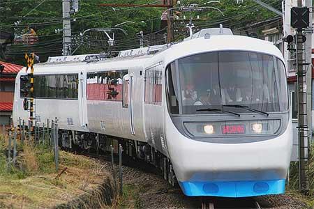 もと「RSE」が富士急行線で試運転