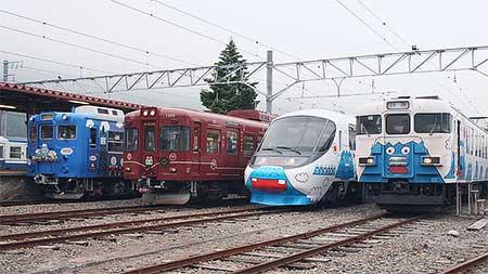 富士急行で8000系の先行試乗会・撮影会ツアー開催