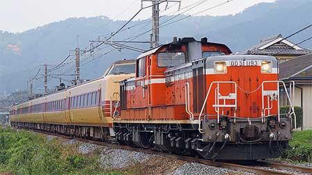 福知山線で被災車両の配給輸送