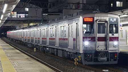 東武10000系11202編成が伊勢崎線で運用開始