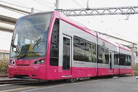 『ちくてつ電車まつり2014』で5000形が展示される