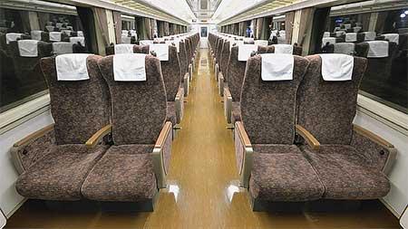 東武鉄道200系206編成の座席が交換される