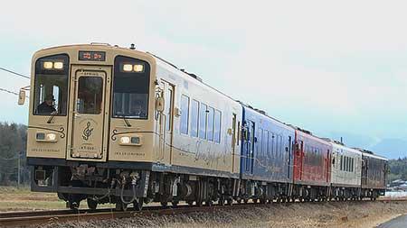 くま川鉄道で「田園シンフォニー」が5両で運転される