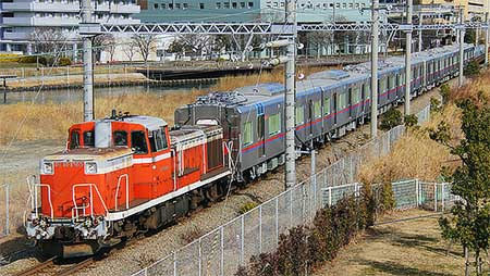 京成3000形が甲種輸送される