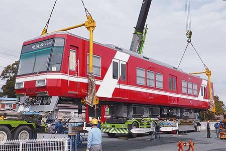 遠州鉄道に2000系2006編成が到着