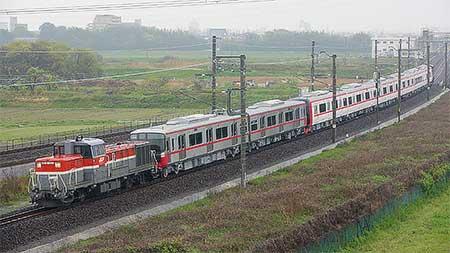 名鉄2200系と3150系が甲種輸送される