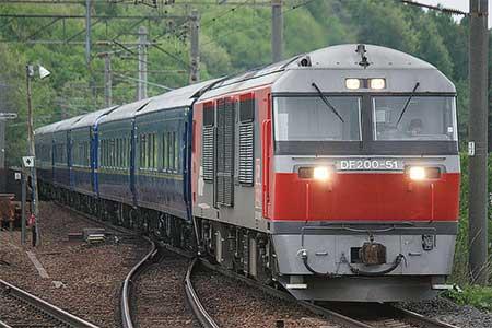 24系客車・711系が陣屋町へ回送される