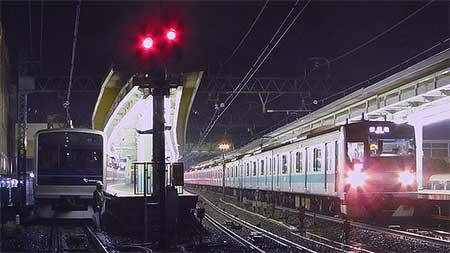 E233系2000番台が小田急線に入線