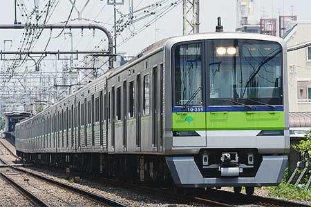 10-300R形10-350編成が廃車回送される