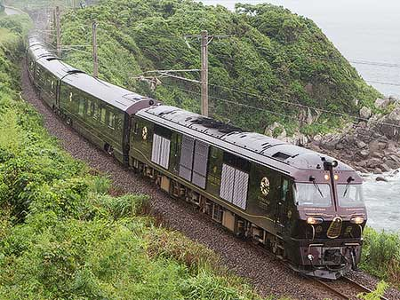 「ななつ星 in 九州」編成が肥薩おれんじ鉄道に初入線