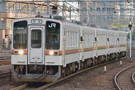 伊勢車両区のキハ11形の5両が笠寺へ