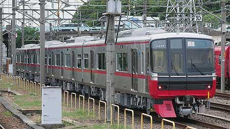 名鉄3300系増備車が回送される