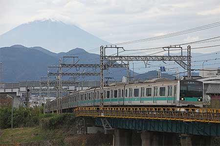 E233系2000番台マト4編成が新松田へ