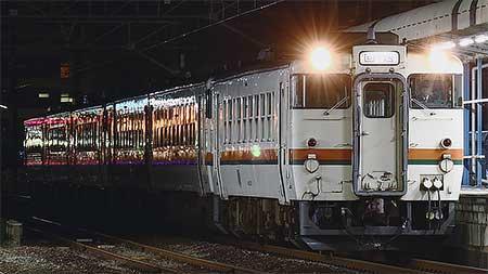 伊勢車両区のキハ40形・キハ48形が回送される