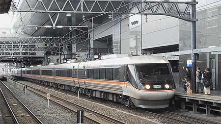 """特急""""しなの""""の大阪乗入れが終了"""