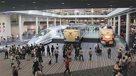 京都鉄道博物館で地元の下京区民を対象にした内覧会