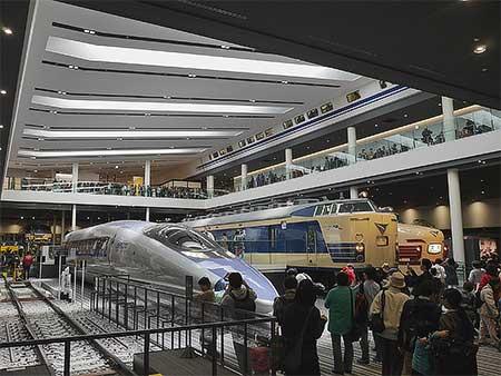 京都鉄道博物館がグランドオープン